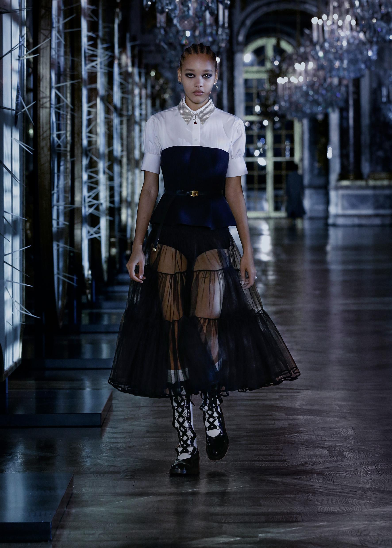 Maria Grazia Chiuri crea un nuevo cuento (feminista) para Dior Otoño-Invierno 2021