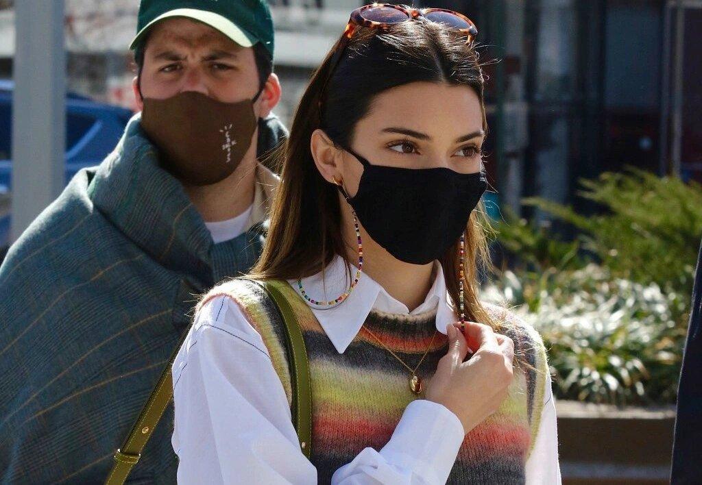 Nuevo objeto de deseo: el chaleco de punto made in Spain de Kendall Jenner