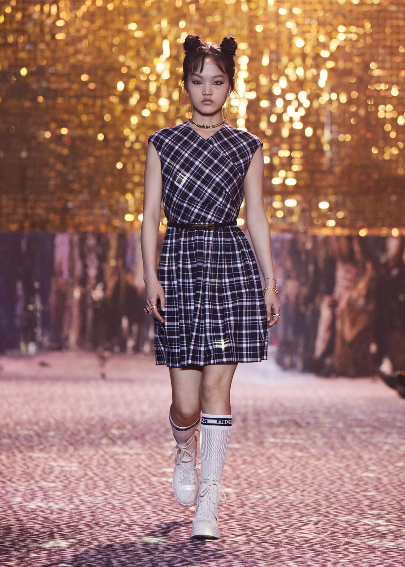 Dior presenta por primera vez su colección Pre-Fall en un desfile en Shanghai