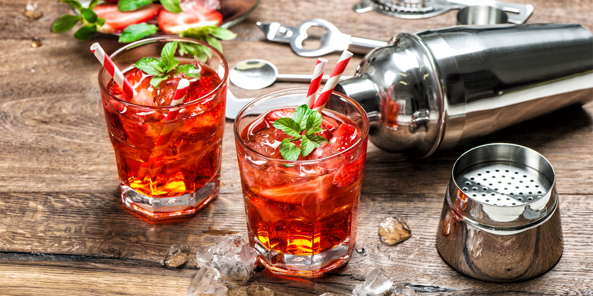 4 cócteles de vino para celebrar la Noche de San Juan