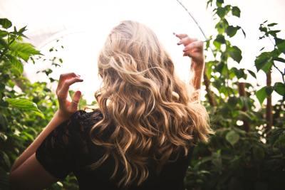 Sabemos cuál es el tándem perfecto para luchar contra la caída otoñal del cabello