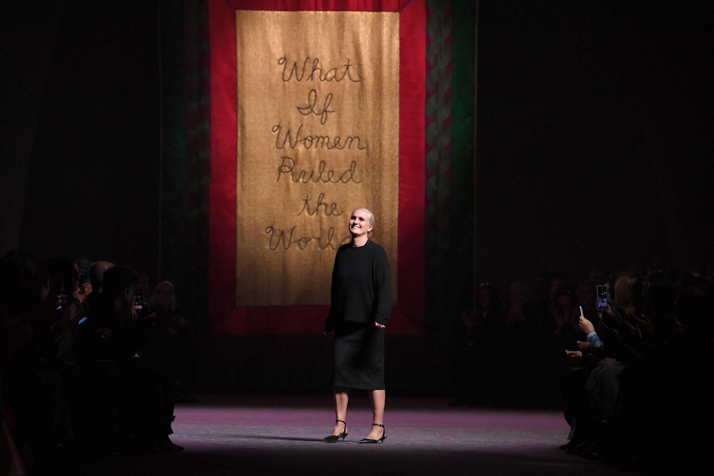 La evolución femenina fue el tema para Dior Alta Costura primavera-verano 2020