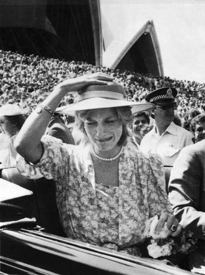 La historia detrás de la fotografía de Lady Di llorando en Sidney