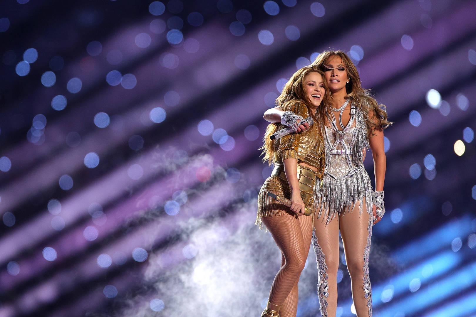 ¡Tienes que ver el video de Jennifer Lopez y Shakira ensayando para el Super Bowl!
