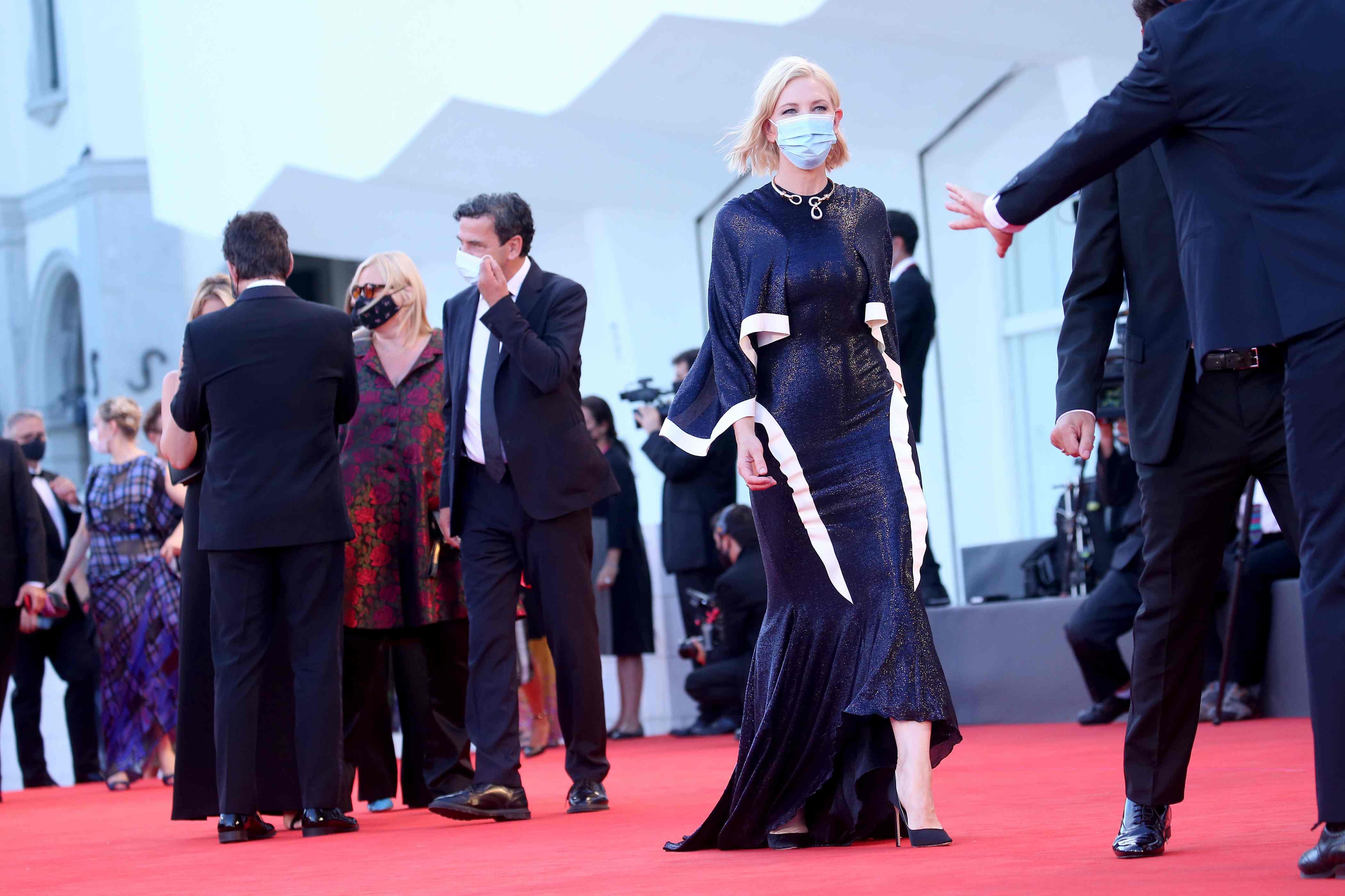 El colombiano que diseñó el vestido de Cate Blanchett para el Festival de Cine de Venecia