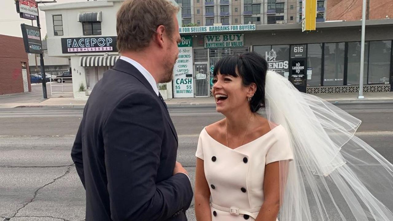 De ahora en adelante los vestidos de novia son súper casuales y Lily Allen lo confirma
