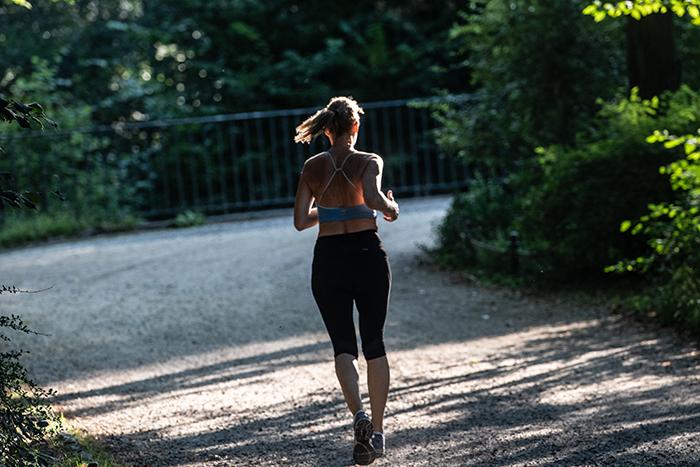 6 razones por las que deberías salir a caminar en las mañanas