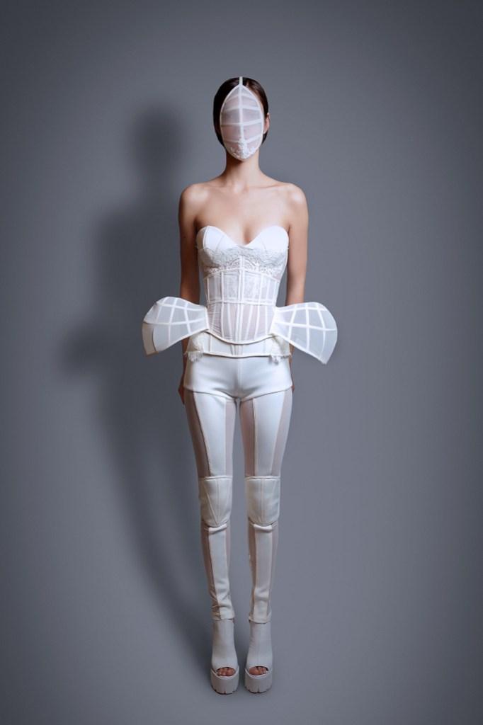 Maya Hansen, la diseñadora detrás del corsé de Shakira