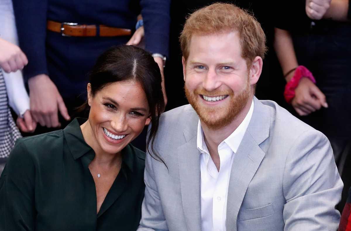 ¡Es oficial! El príncipe Harry y Meghan Markle renuncian por completo a la corona británica