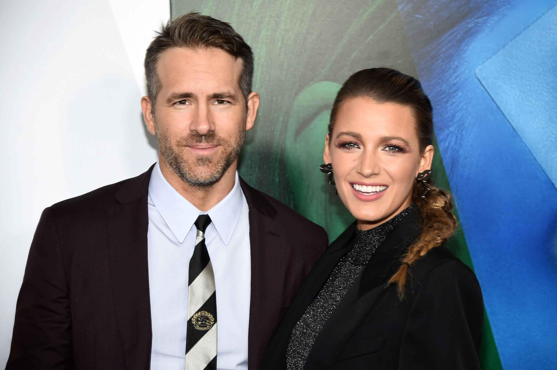 """Ryan Reynolds se convierte en el """"estilista"""" de Blake Lively en un video divertido"""