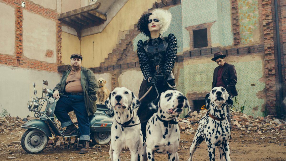 ¡Tienes que ver a Emma Stone como Cruella de Vil en este nuevo póster!