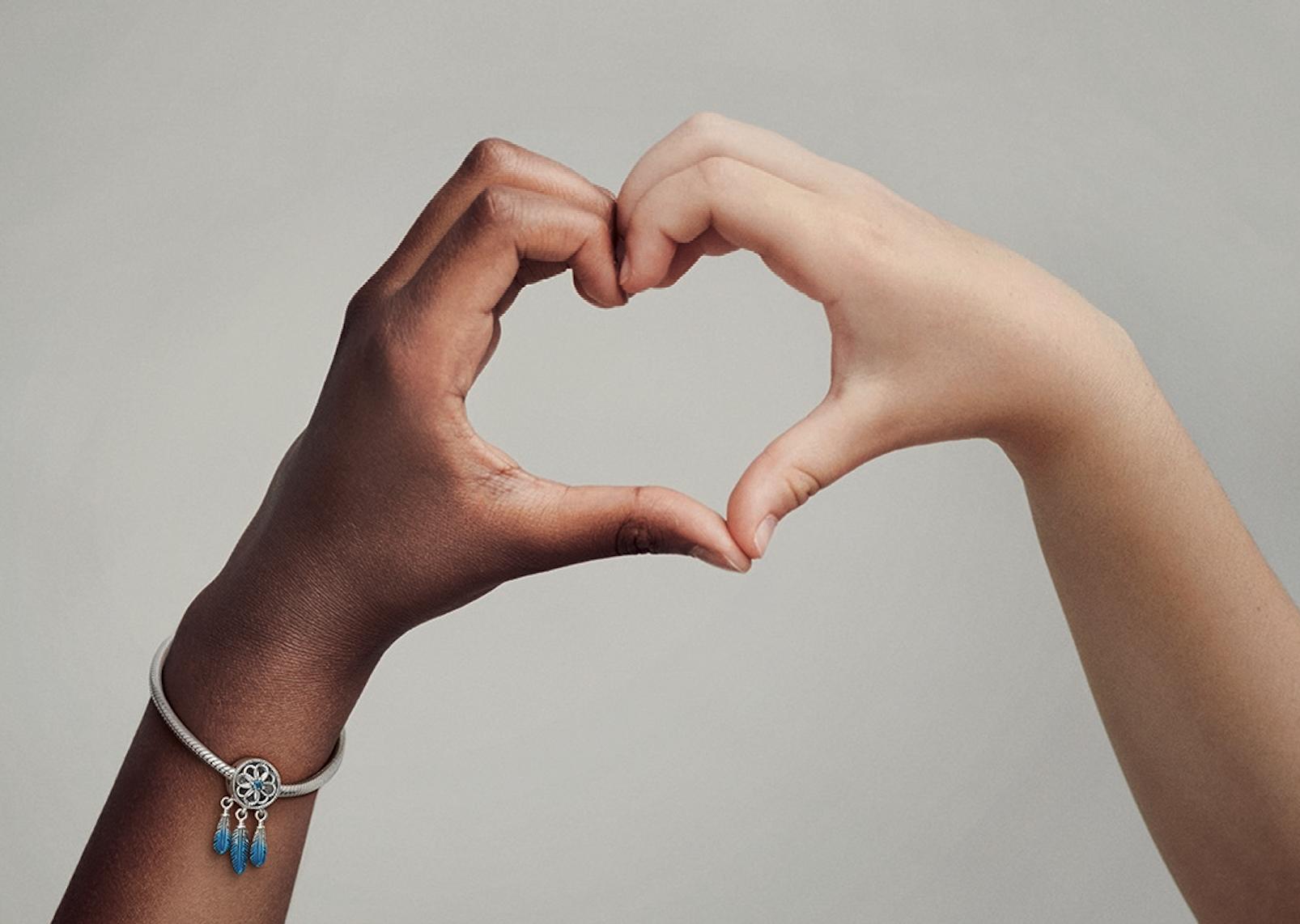 Pandora vuelve a apoyar a UNICEF con un charm emblemático