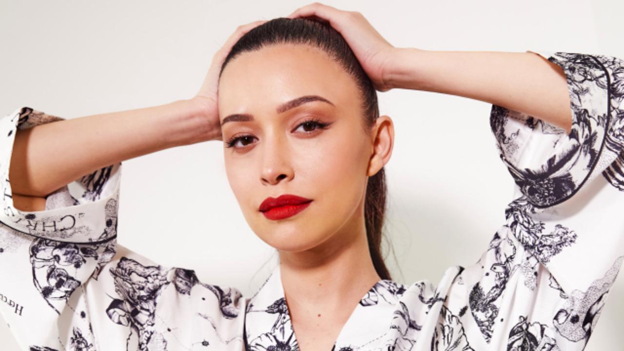 Christian Serratos se convierte en la nueva embajadora de Dior beauty
