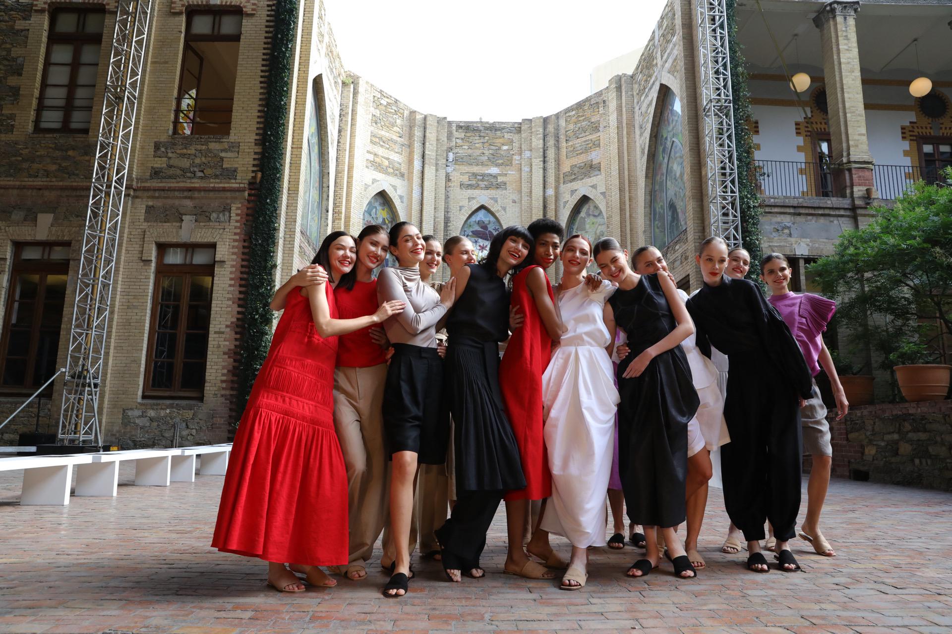 Fashion Week México celebra 15 años de moda con Alfredo Martínez y CANCINO