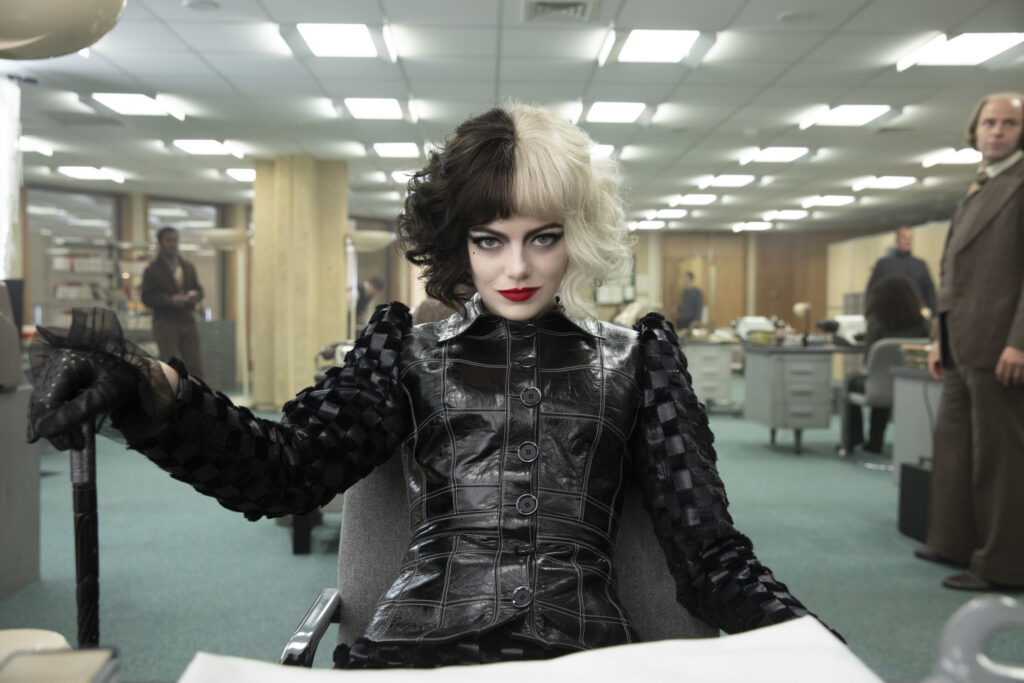 Todas las referencias de moda que están escondidas en la película de Cruella