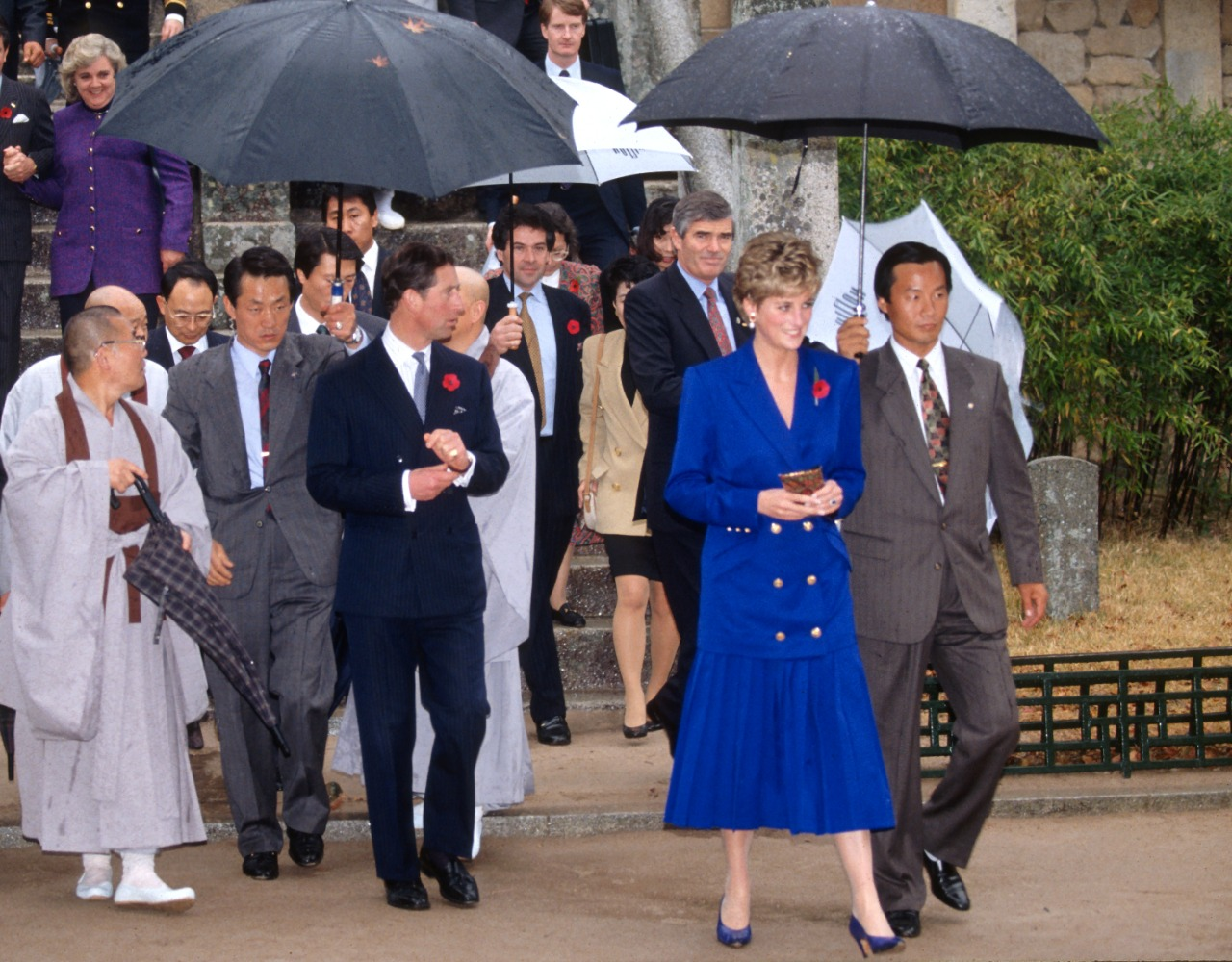 Kate Middleton imitó el icónico outfit azul de Lady Di en su tour por Escocia