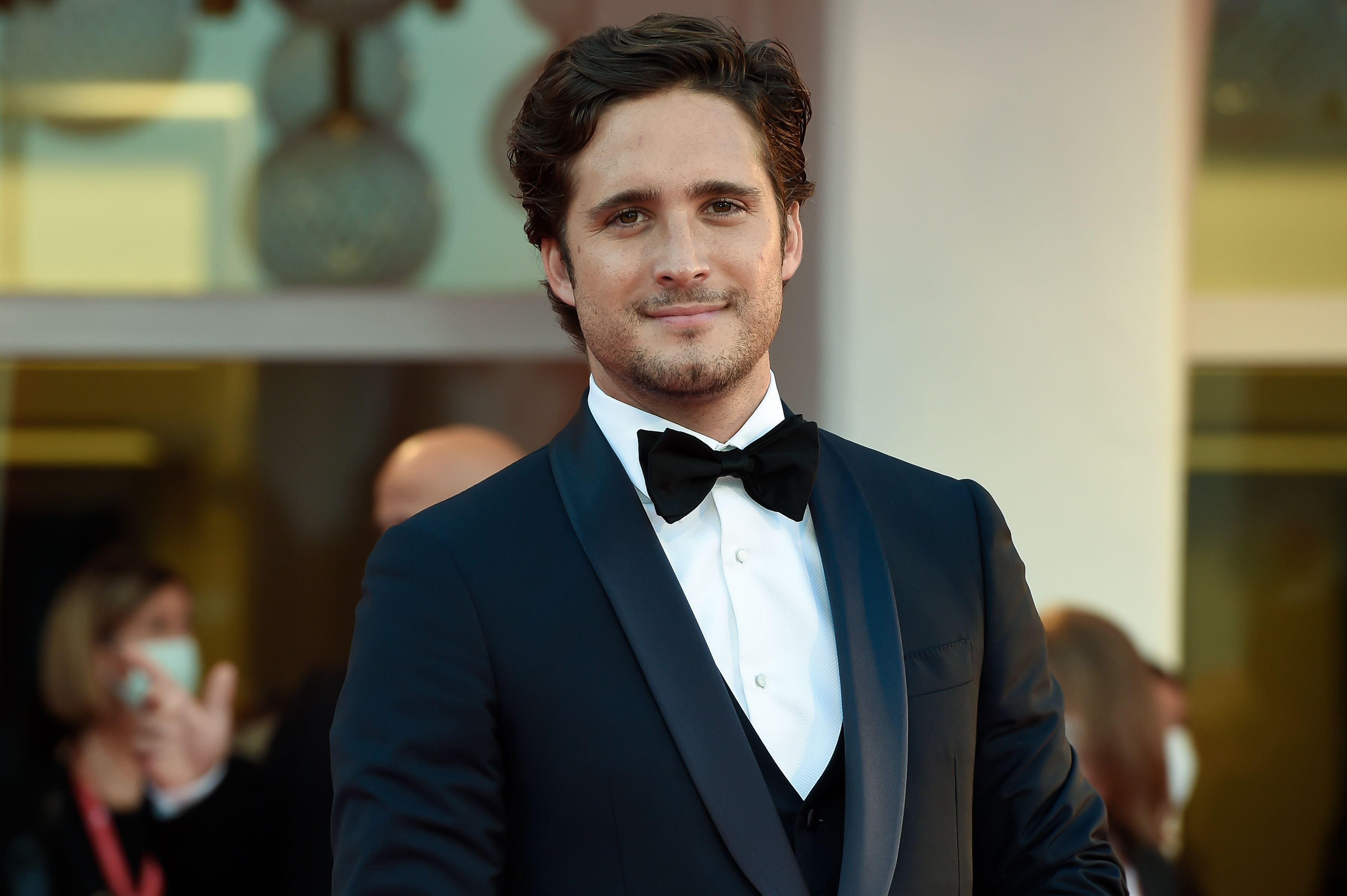 Diego Boneta será el protagonista de la película biográfica 'La gran ola'