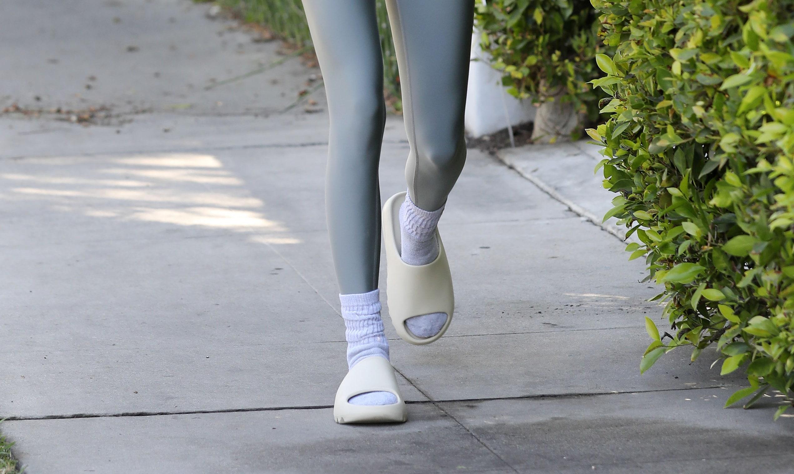 Yeezy Slides, las sandalias que quieres, mereces y necesitas para este verano