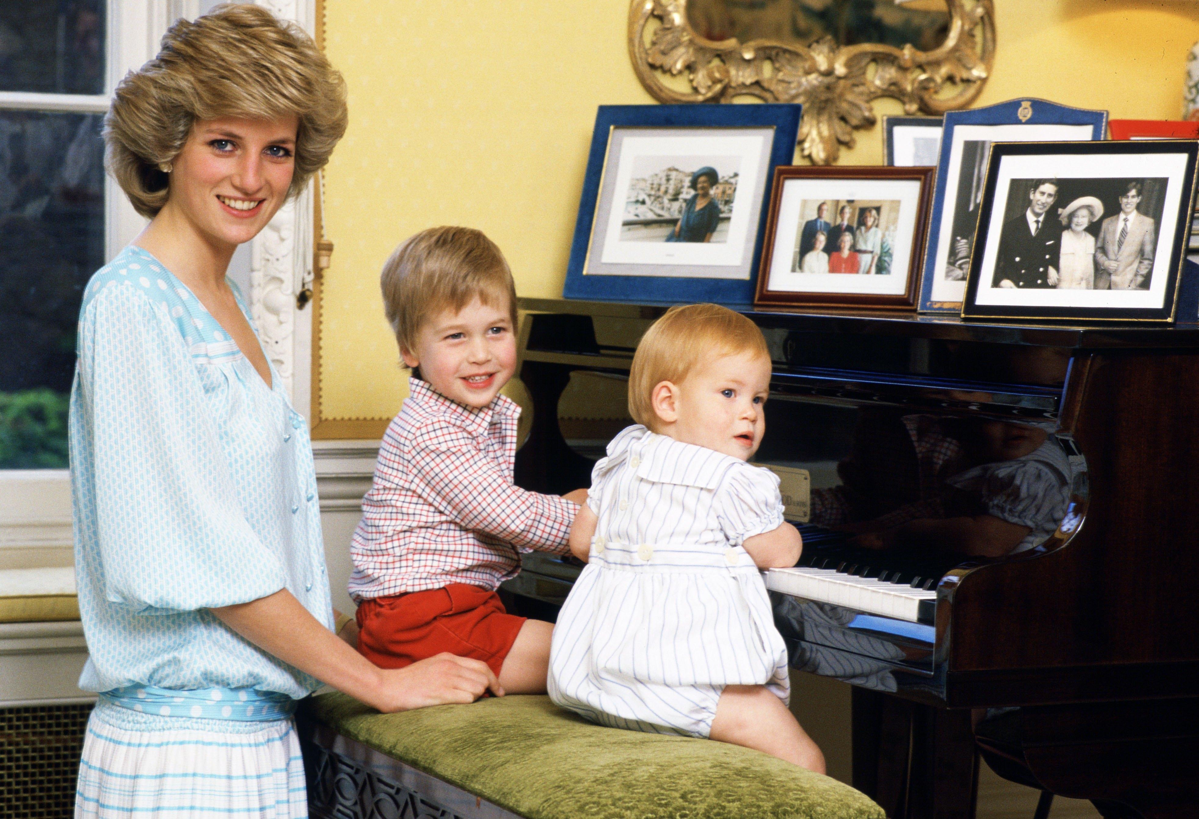 Tienes que ver este tierno video del príncipe William, el príncipe Harry y Lady Diana