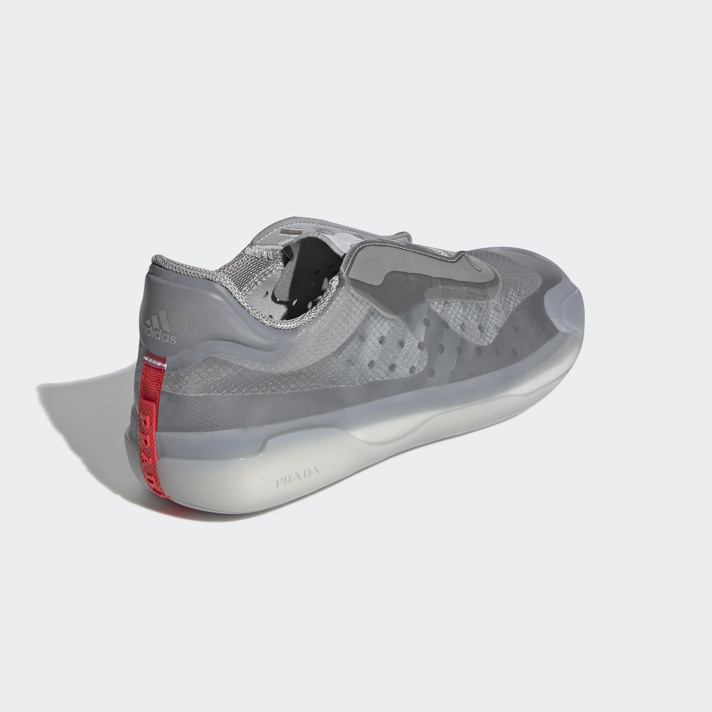 PRADA X ADIDAS: Los sneakers de lujo diseñados para el deporte de navegación