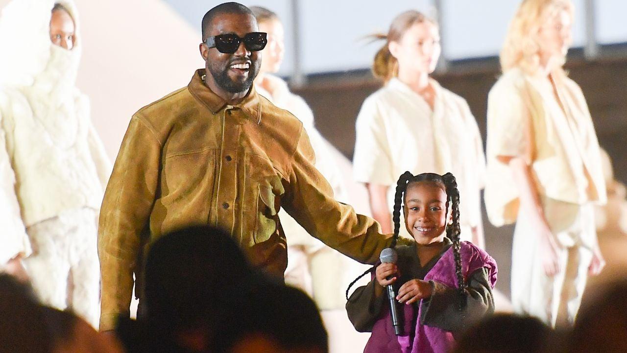 Kanye West, de vacaciones con sus hijos en Puerto Escondido