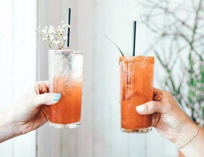 Conoce la bebida perfecta para un día de frescura y comodidad