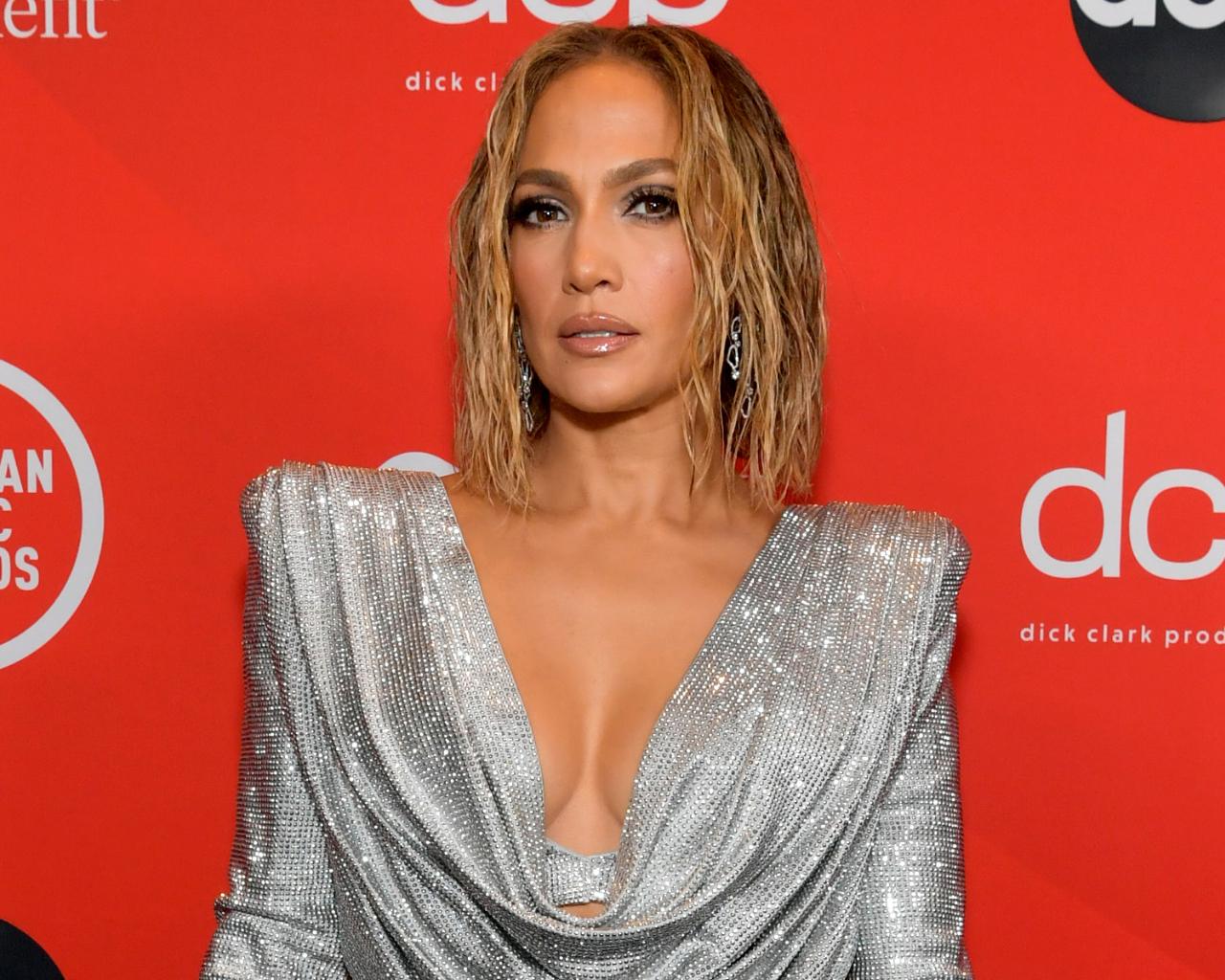 Jennifer Lopez 'Backstage' 2020 AMAs