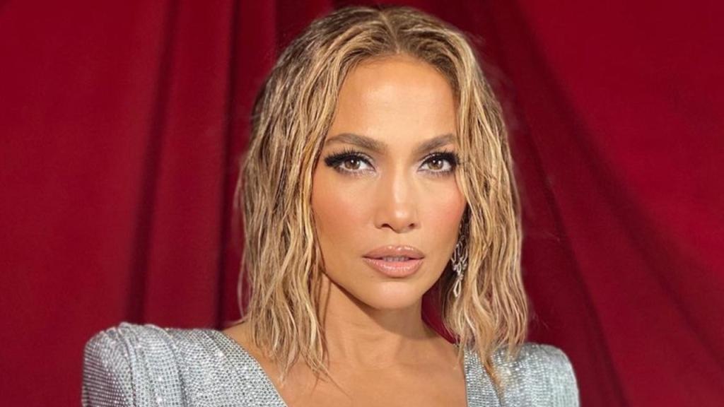 Jennifer Lopez 'Wet' Hair