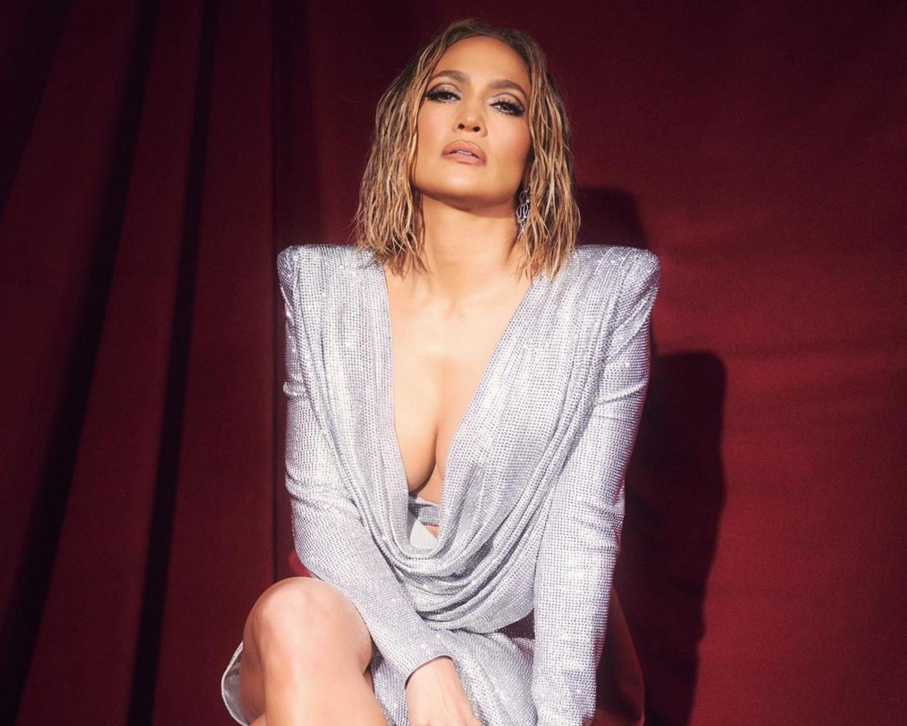 Jennifer Lopez Wet Bob