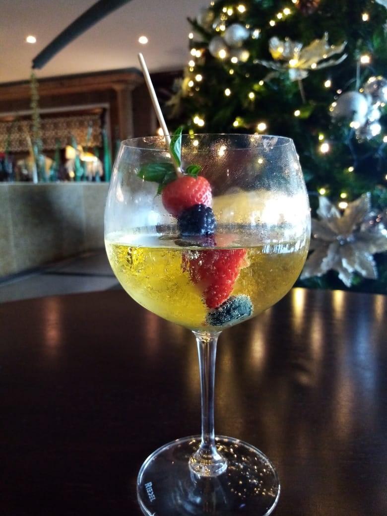 Apple Christmas Drink