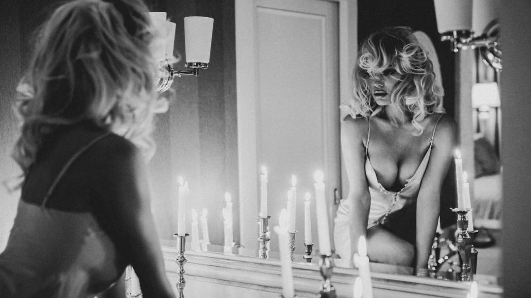 Pamela Anderson Bids Farewell To Social Media - Grazia USA