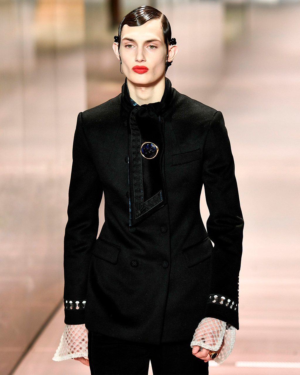 Fendi SS21 Haute Couture, Lila Moss