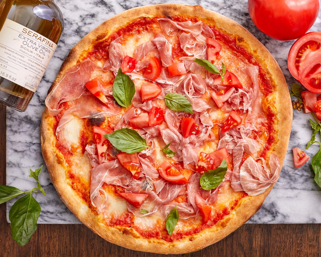 indoor dining, pizza