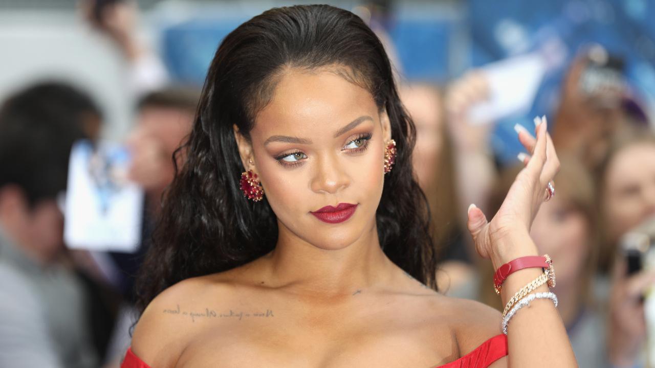 Rihanna Files Legal Trademark for Fenty Hair - Grazia