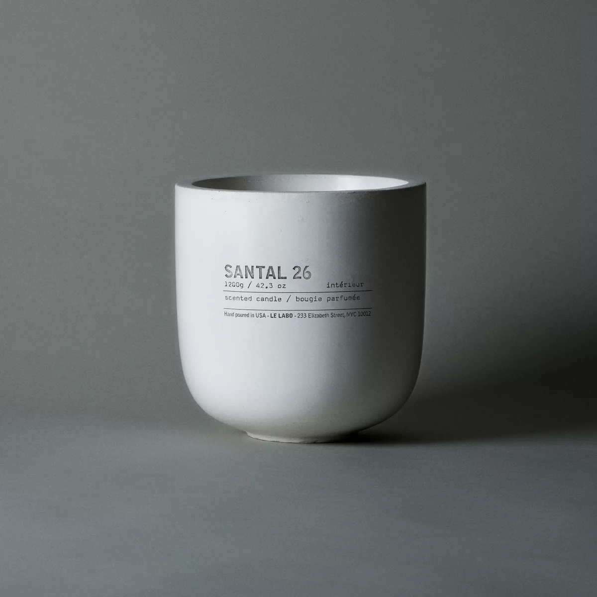 Santal 26 White Concrete Candle