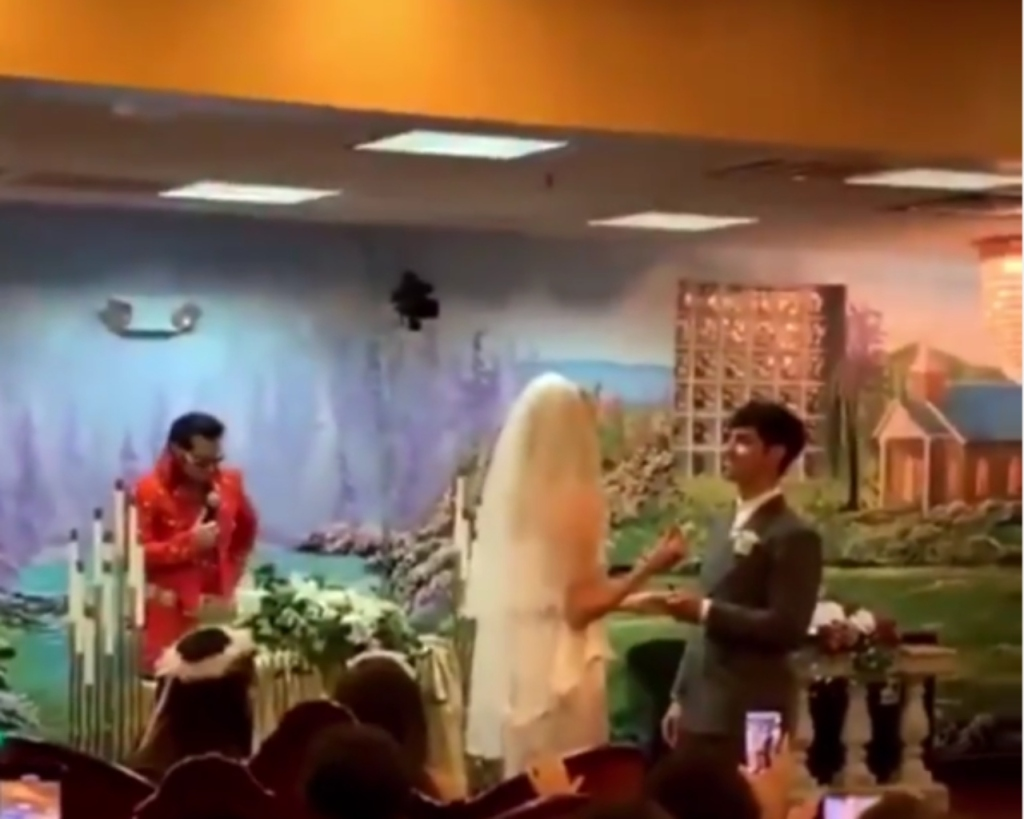 Sophie and Joe Vegas Wedding
