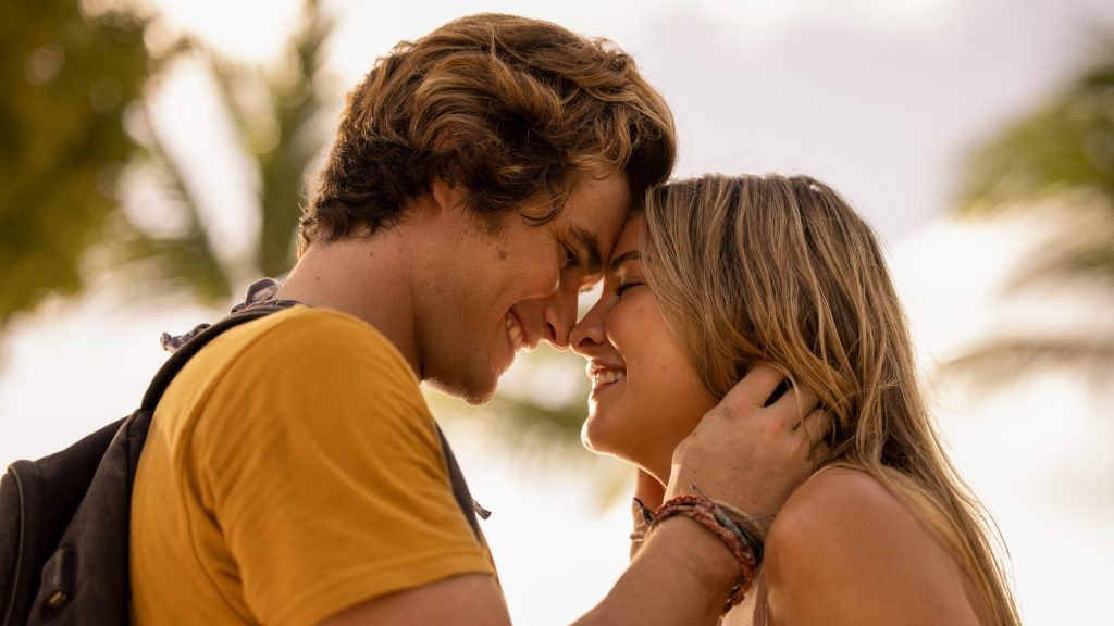 Chase Stokes and Madelyn Cline in <i>Outer Banks</i>