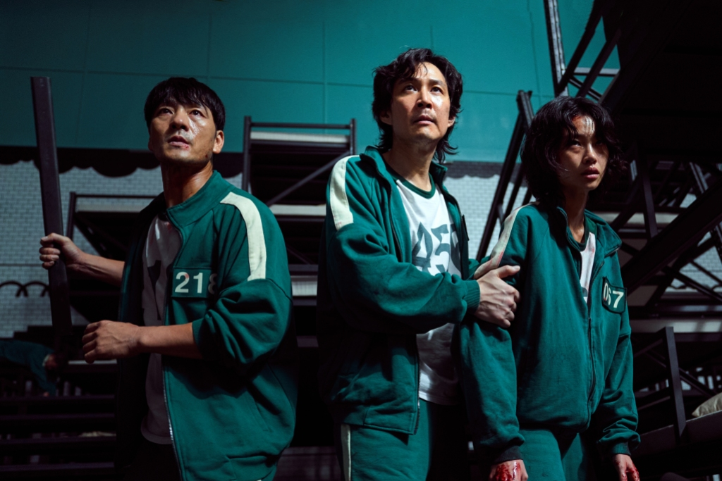 Park Hae-soo, Lee Jung-jae and Jung Ho-yeon in <i>Squid Game</i>