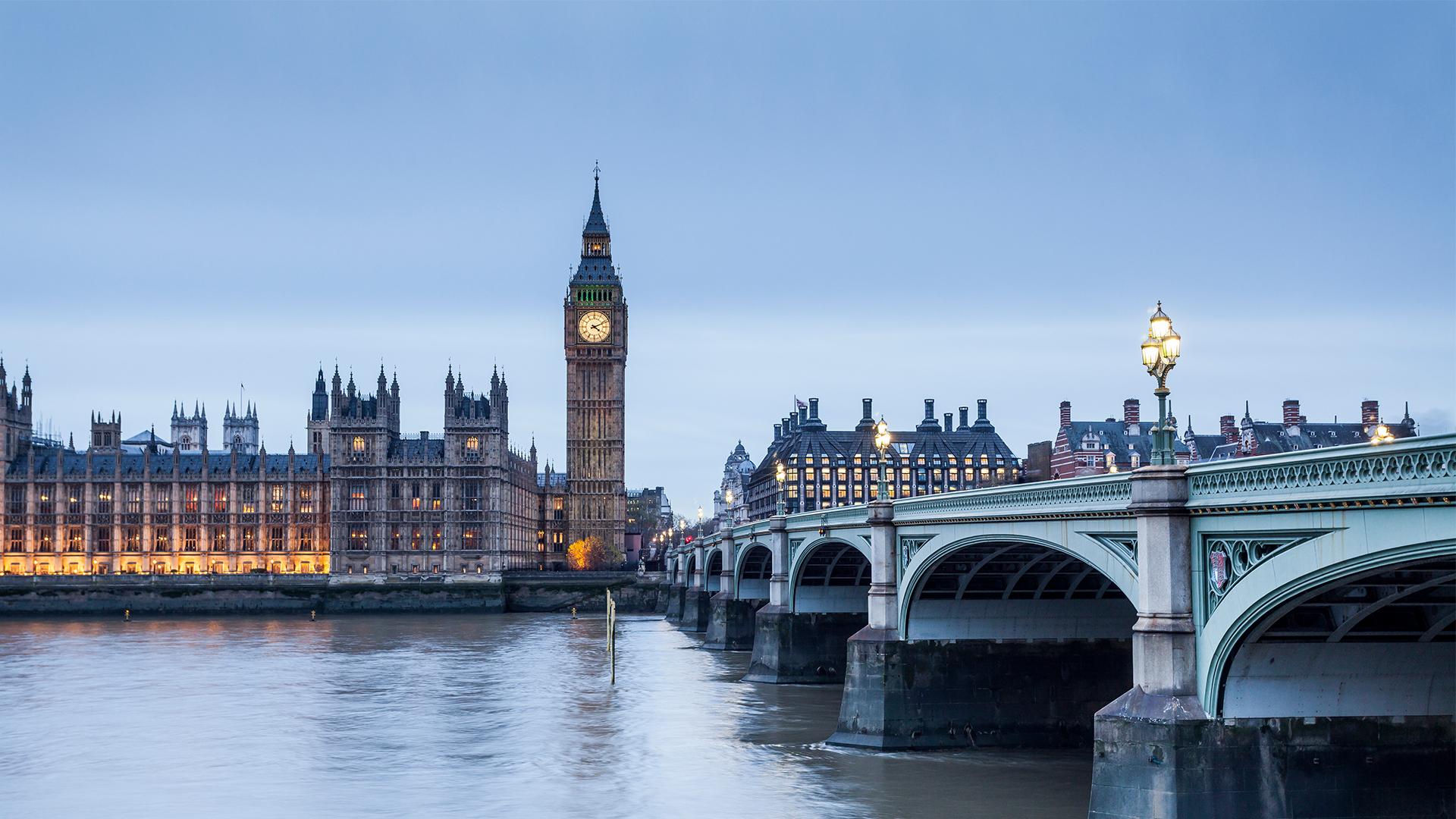 T1leftportrait_london