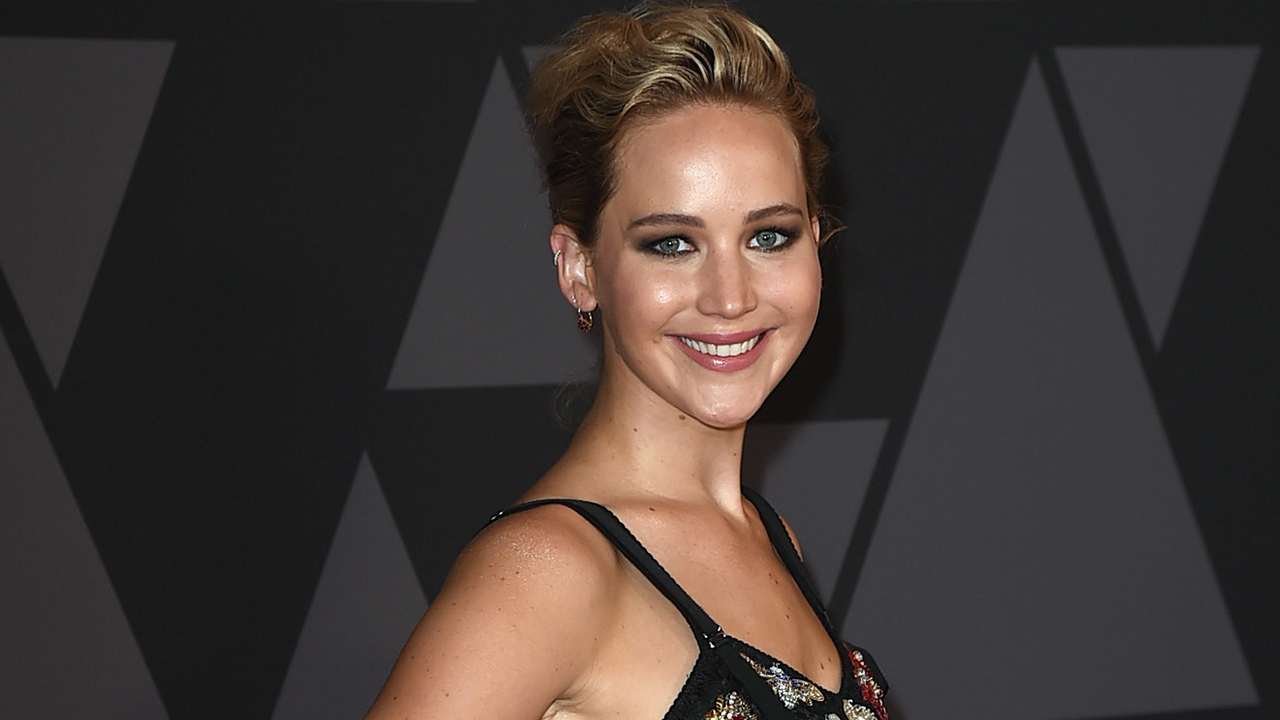 Jennifer Lawrence Wants To Know What Happened Between Taylor Swift And Karlie Kloss Grazia