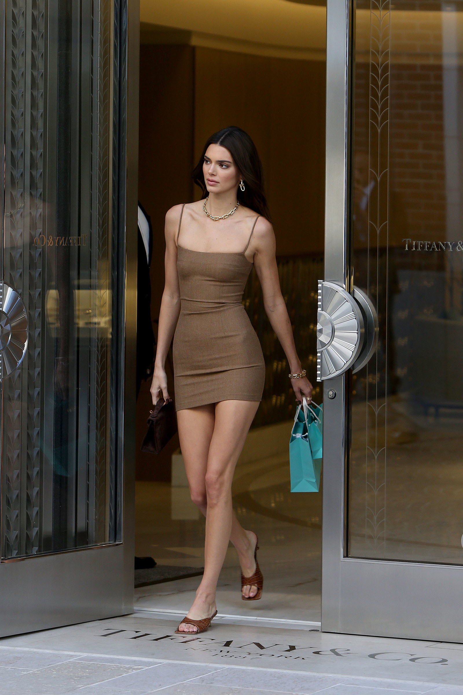White Jumpsuit   Kendall jenner outfits, Kendall jenner
