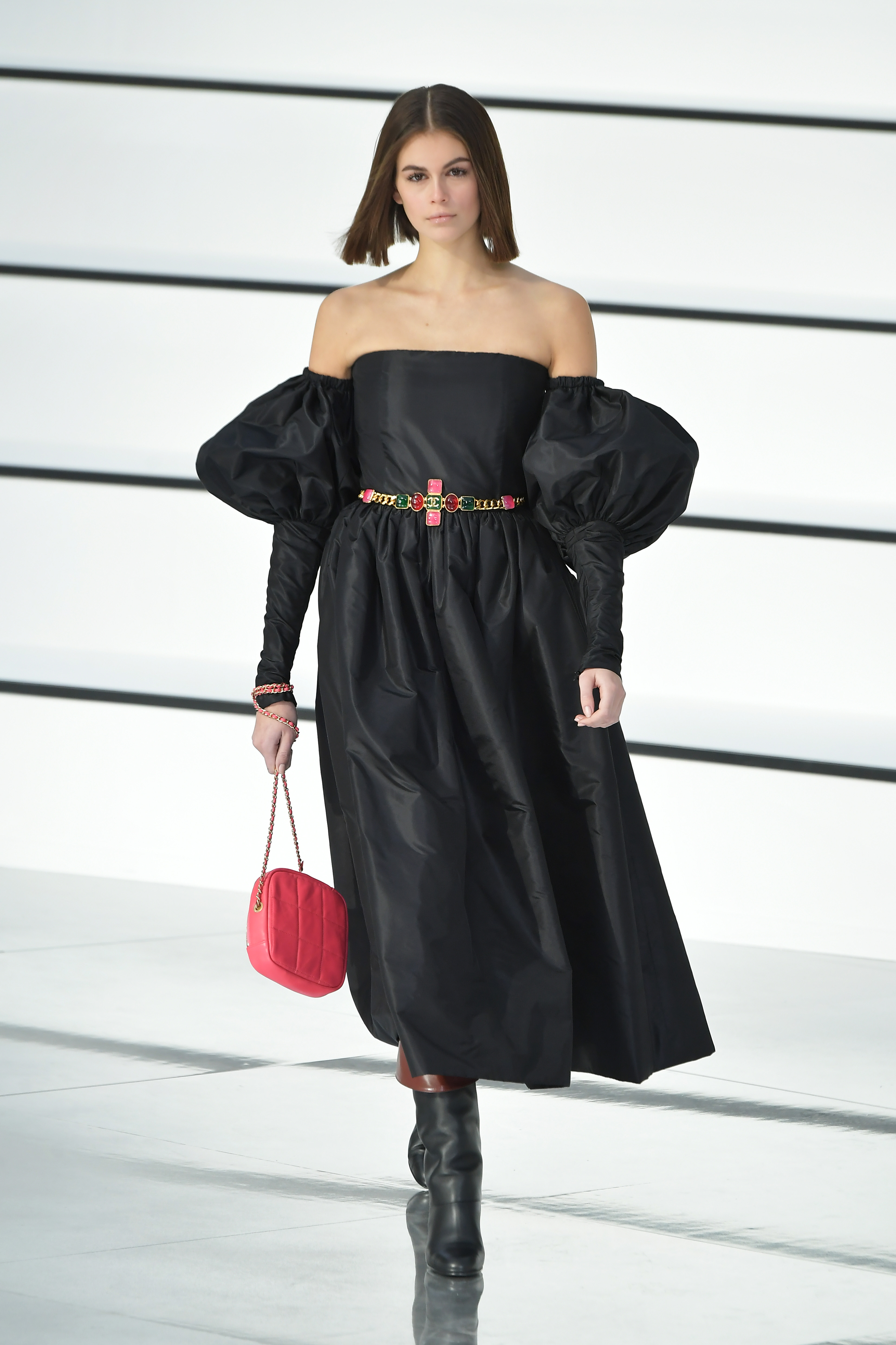 Chanel Fall Winter 2020 At Paris Fashion Week Chanel Proves Simple Doesn T Mean Boring