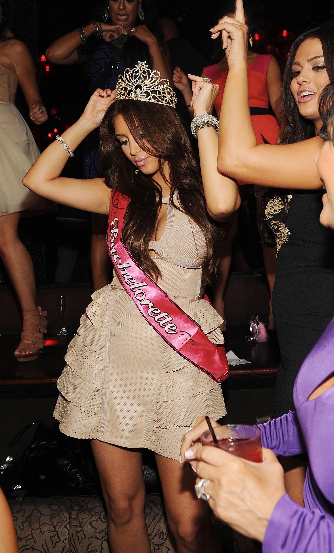Kim kardashian bachelorette party kris humphries las vegas