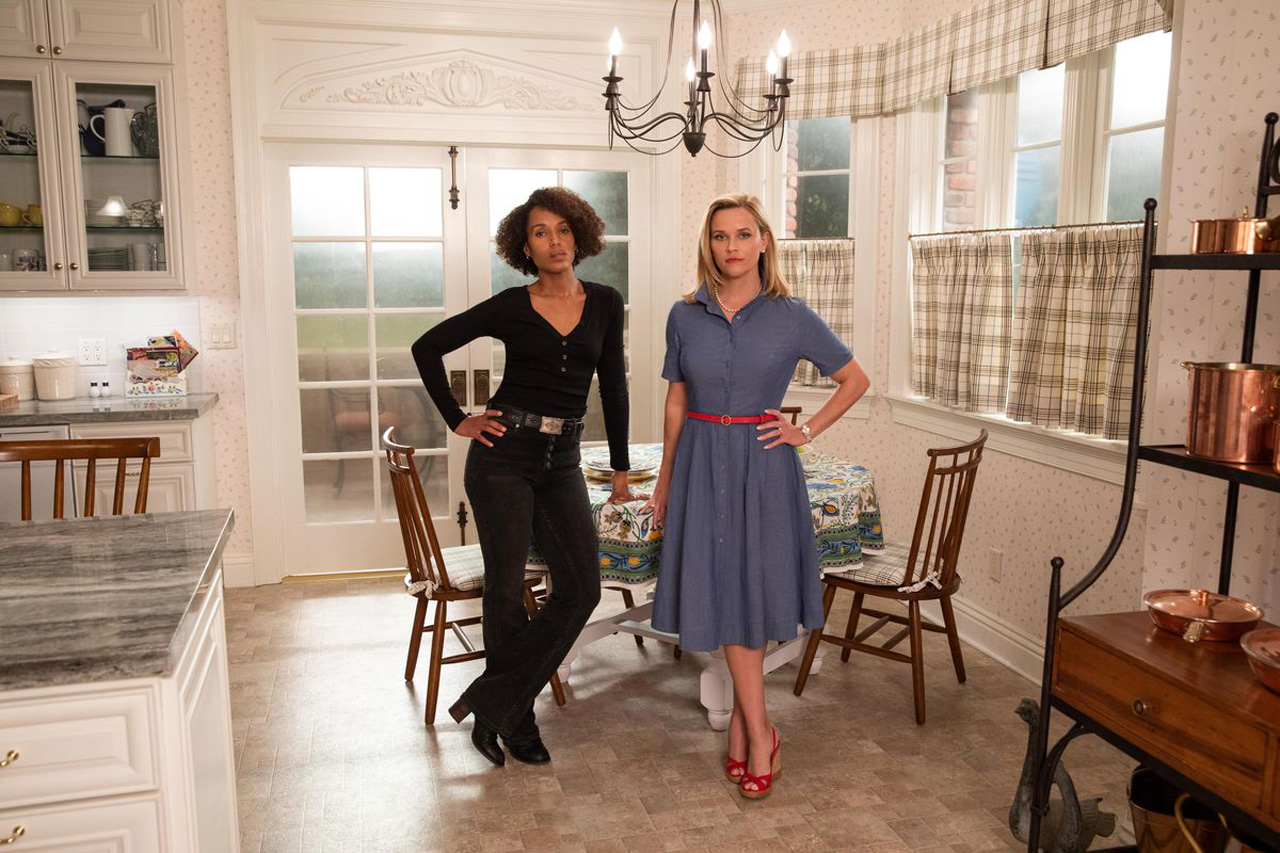 Reece Witherspoon and Kerry Washington in Little Fires Everywhere