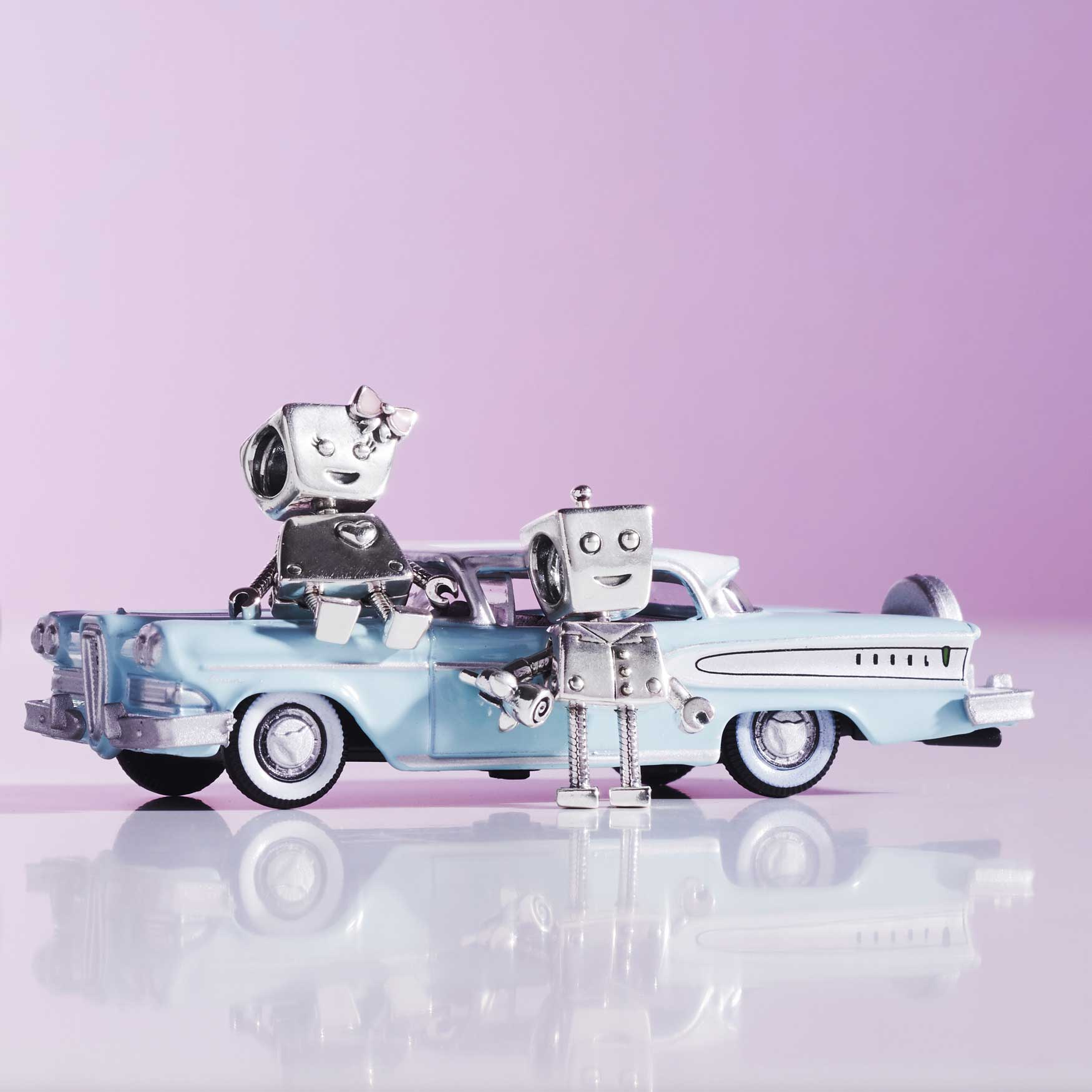 Pandora robot charm