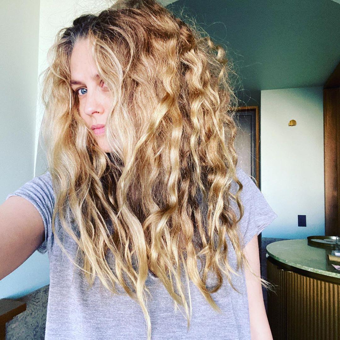 Teresa Palmer Hair
