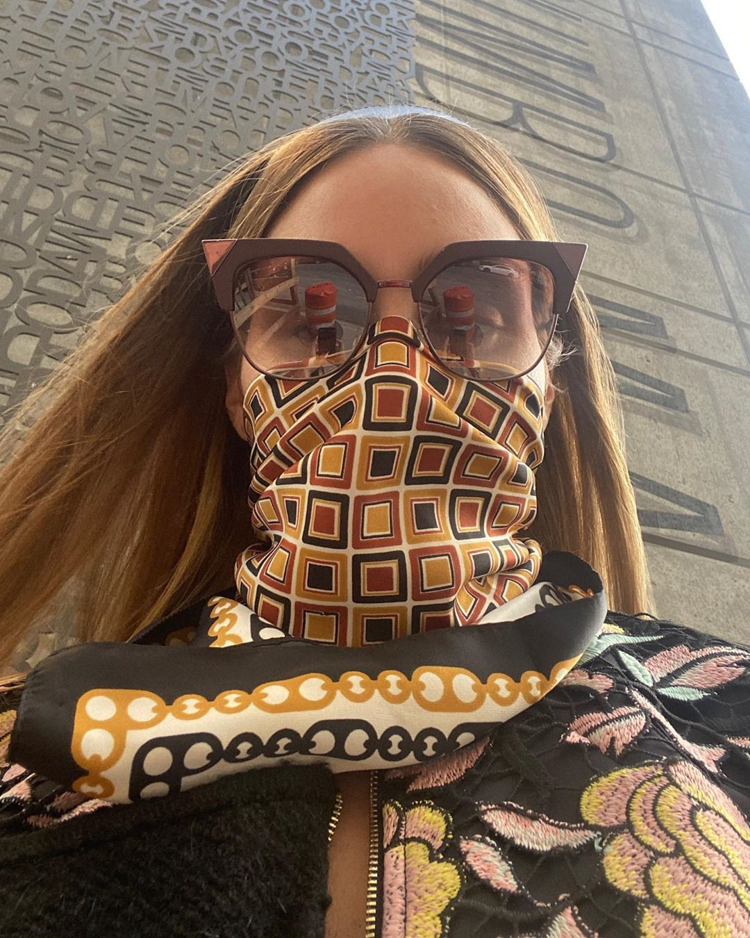 Olivia Palermo scarf