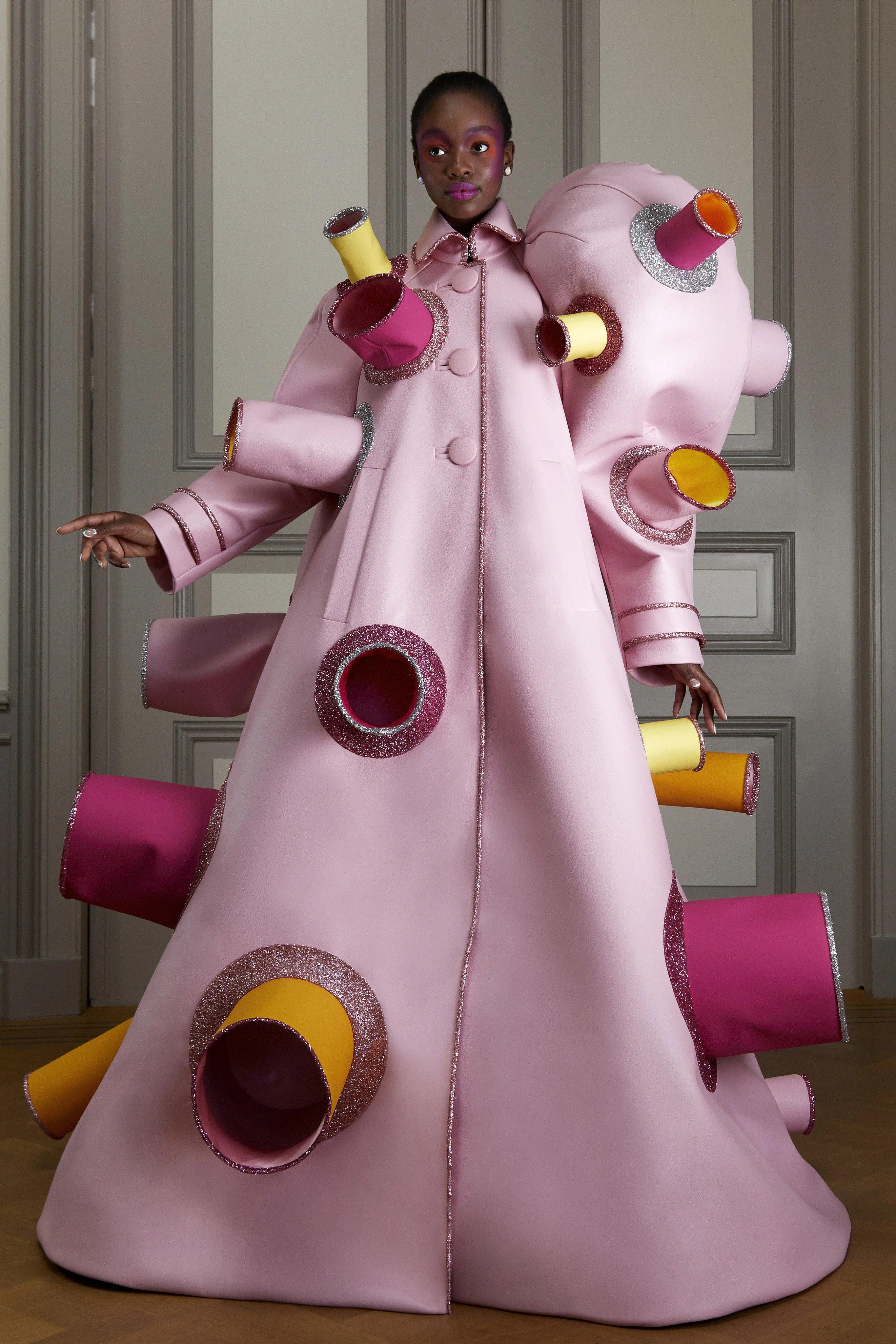 Viktor & Rolf Haute Couture. Image credit: Caspi Kofi for Victor & Rolf