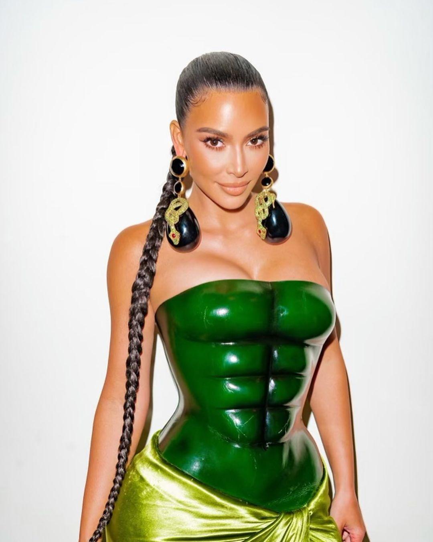Kim Kardashian Schiaparelli Couture Christmas