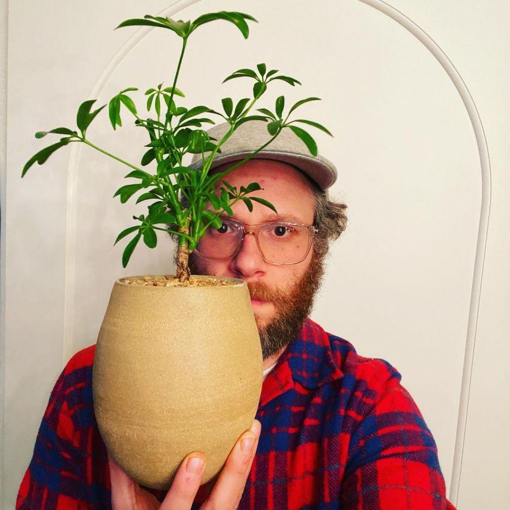 seth rogan vase